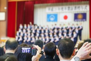 小学校の卒業式1