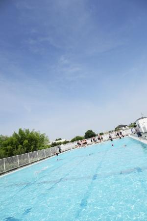 梅雨の合間のプールの授業